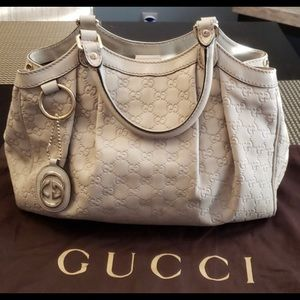 Beautiful barely used Gucci Sukey medium tote